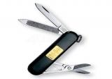 Нож  Victorinox Classic SD черный с золотой пластинкой (0.6202.8